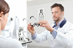 What Skills should an Optometrist Have
